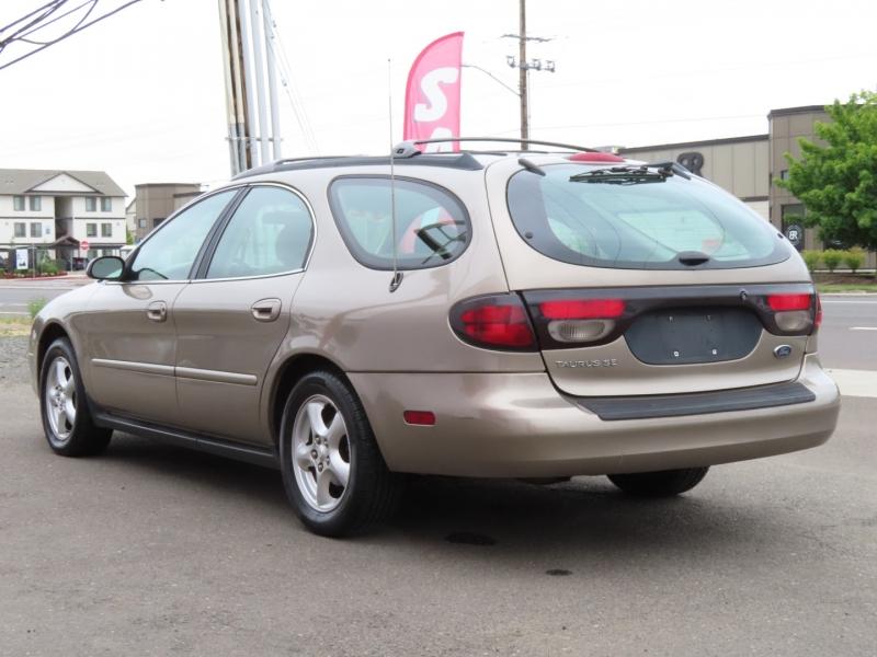 Ford Taurus 2002 price $2,995