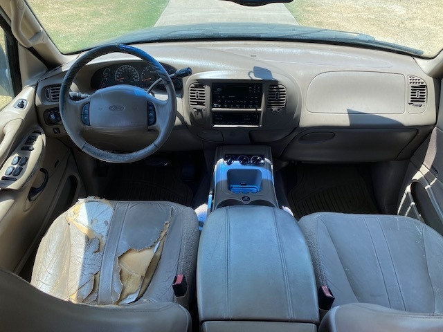 Ford EXPEDITION 2001 price $1,000 Down