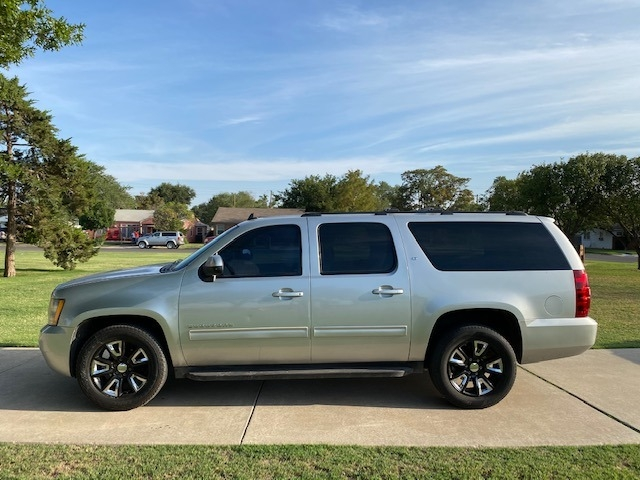 Chevrolet SUBURBAN 2010 price $1,500 Down