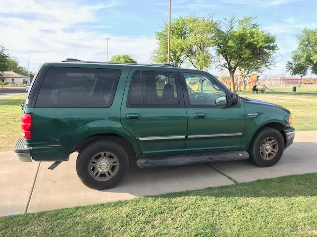 Ford EXPEDITION XLT 2000 price $500 Down