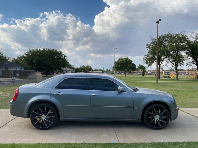Chrysler 300C HEMI 2006 price $1,500 Down