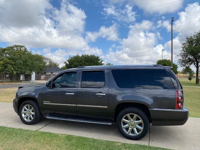 GMC YUKON XL DENALI 2010 price $2,500 Down