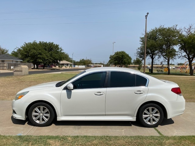 Subaru LEGACY AWD 2011 price $1,500 Down