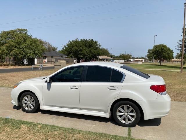 Subaru LEGACY AWD 2011 price $1,000 Down