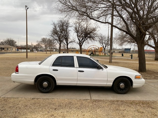 Ford CROWN VICTORIA 2006 price $1,500 Down