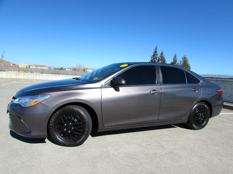 Toyota Camry Hybrid 2015 price $0