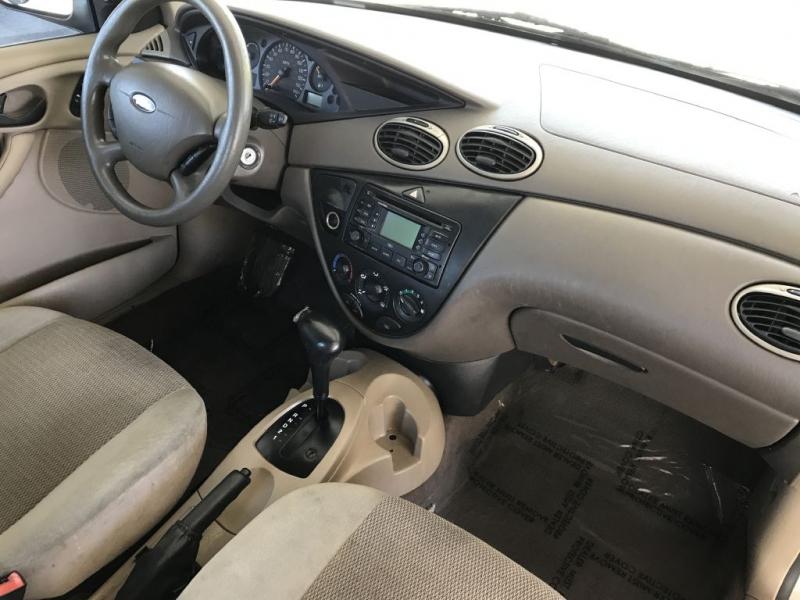 Ford Focus 2003 price $2,500