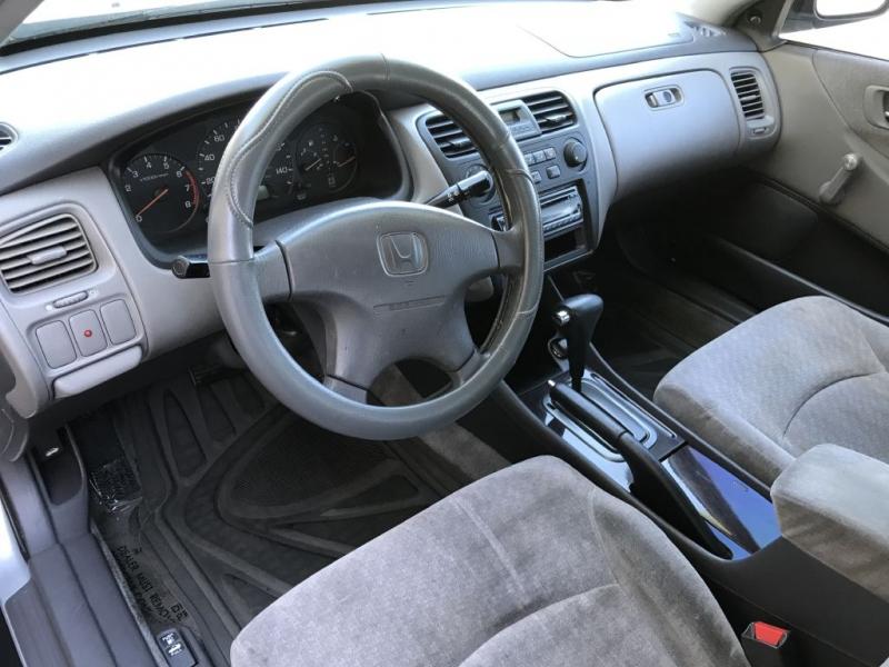 Honda Accord 2002 price $3,000