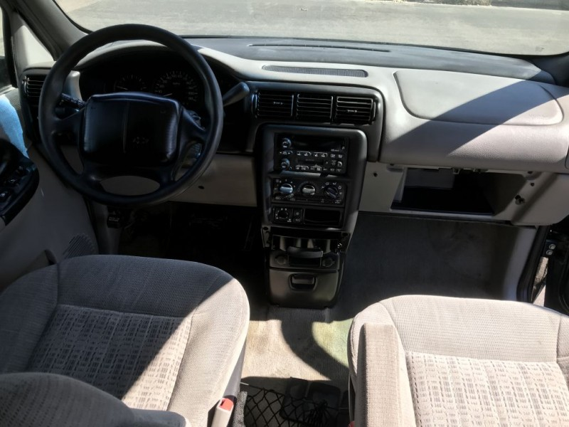 Chevrolet Venture 2001 price $700