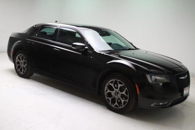 Chrysler 300 2017 price $23,999