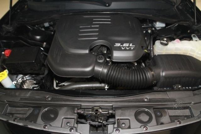 Chrysler 300 2017 price $23,999