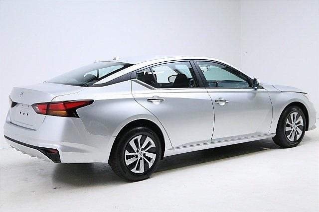 Nissan Altima 2020 price $18,500