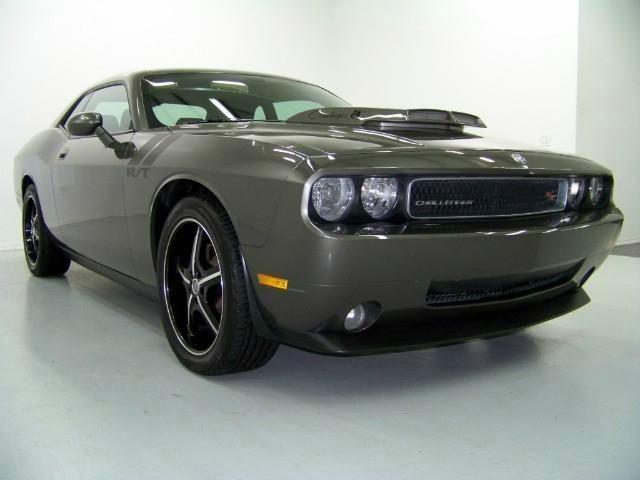 Dodge Challenger 2009 price $25,999