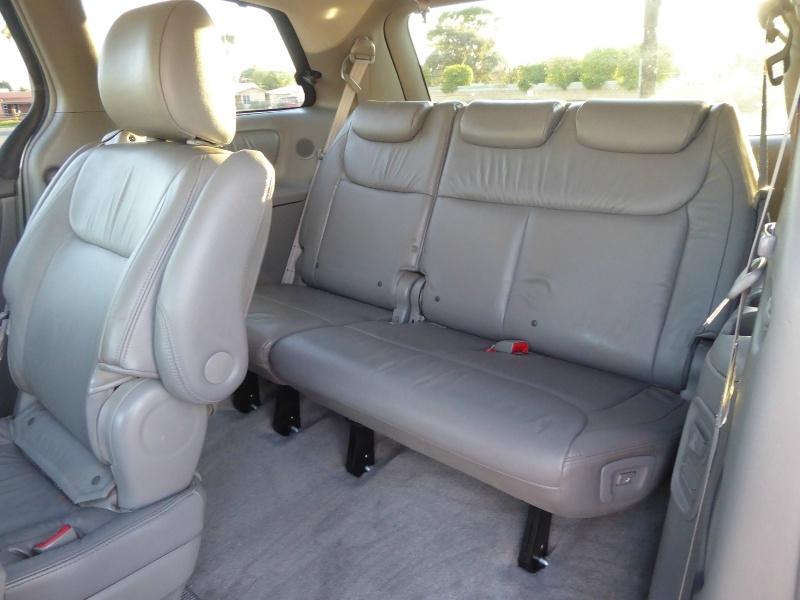 Toyota Sienna 2010 price $7,995