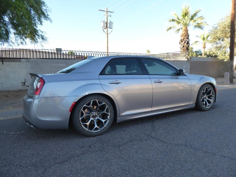 Chrysler 300 2017 price $19,450
