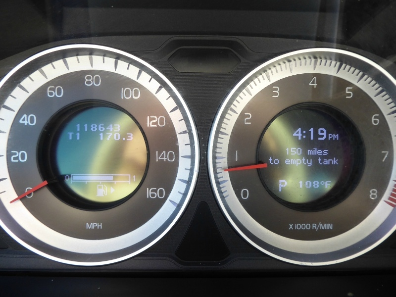 Volvo XC70 2013 price $9,950