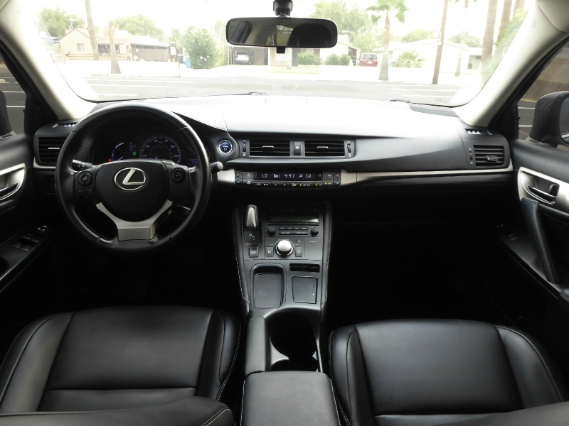 Lexus CT 200h 2016 price $14,950
