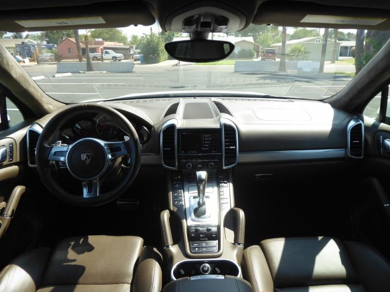 Porsche Cayenne 2011 price $33,950