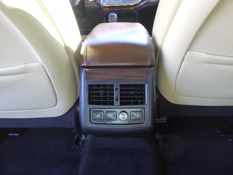 Toyota Avalon 2013 price $15,450