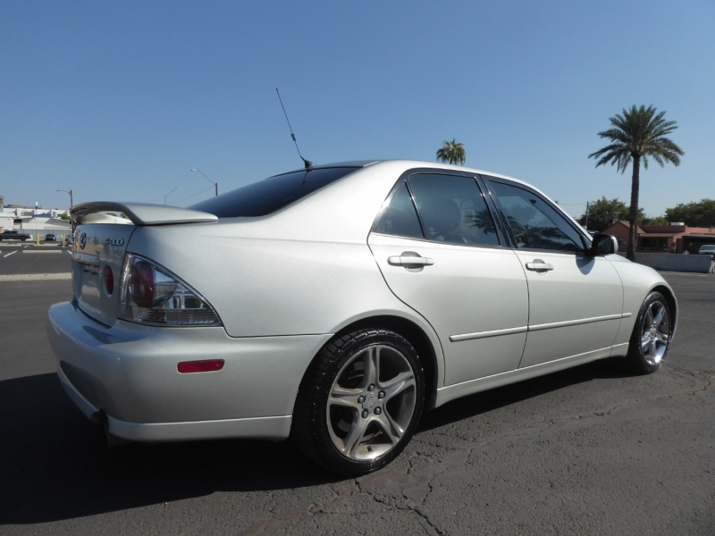 Lexus IS 300 2001 price $7,995