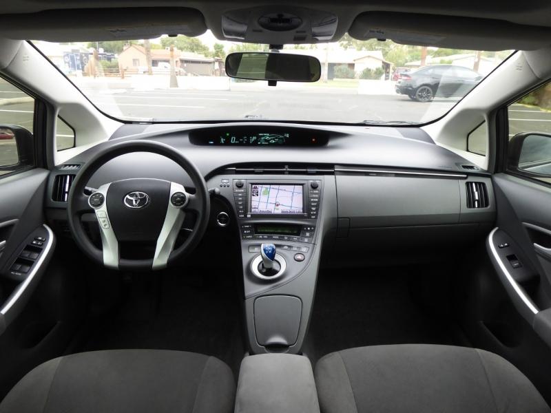 Toyota Prius 2011 price $12,450