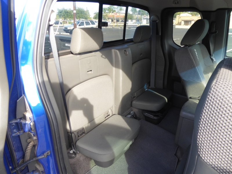 Nissan Frontier 2015 price $15,950
