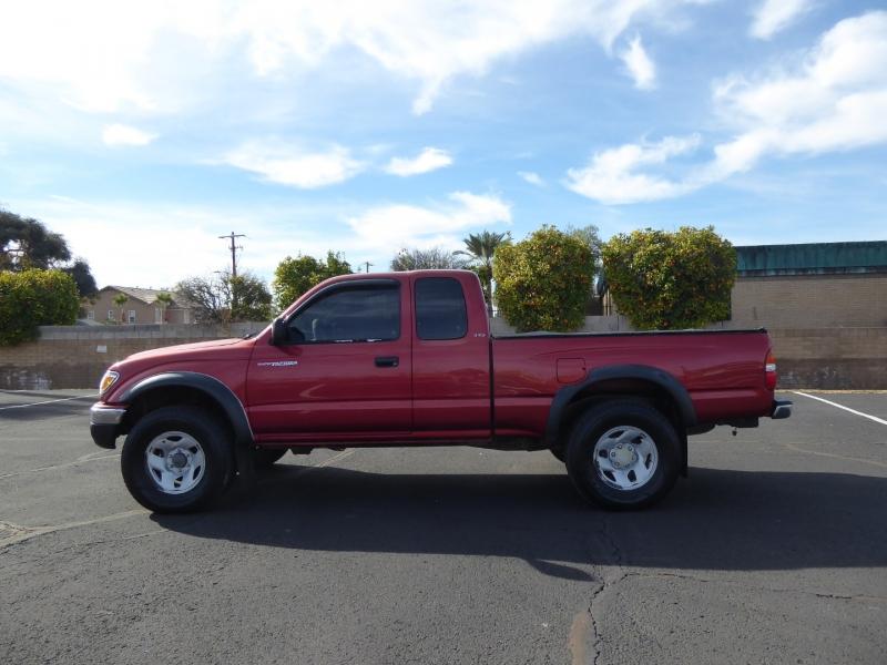 Toyota Tacoma 2001 price $15,950