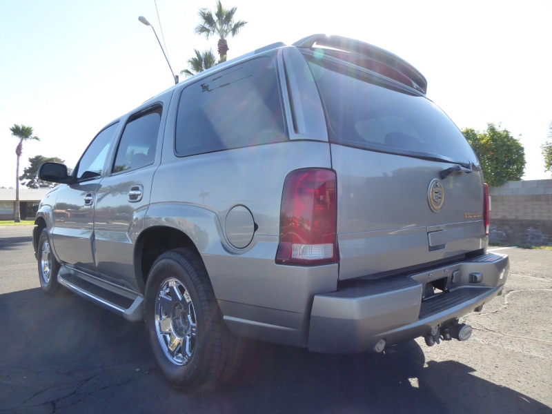 Cadillac Escalade 2002 price $8,950
