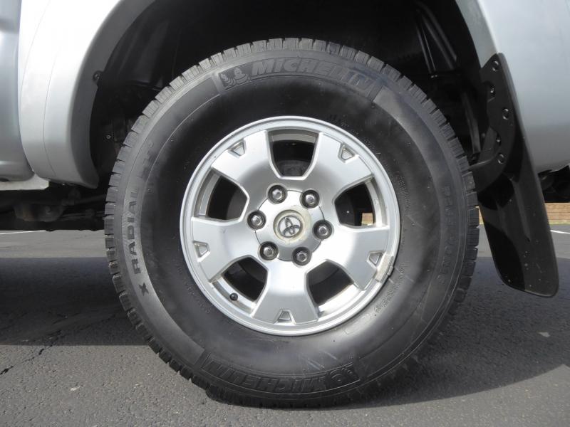 Toyota Tacoma 2005 price $17,950