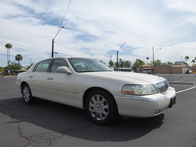 Lincoln Town Car 2003 price $6,995