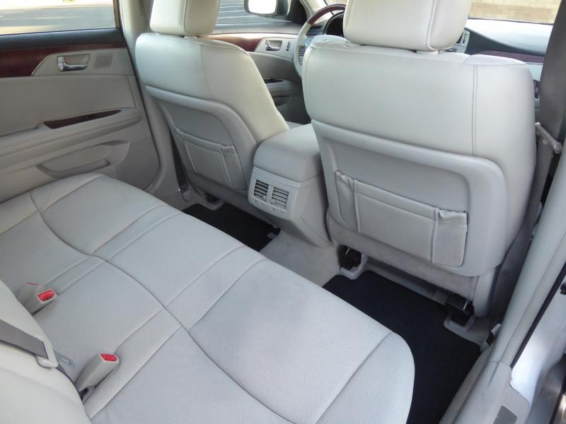 Toyota Avalon 2011 price $12,450