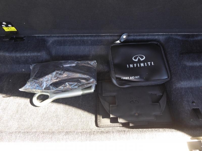 Infiniti QX56 2012 price $17,995
