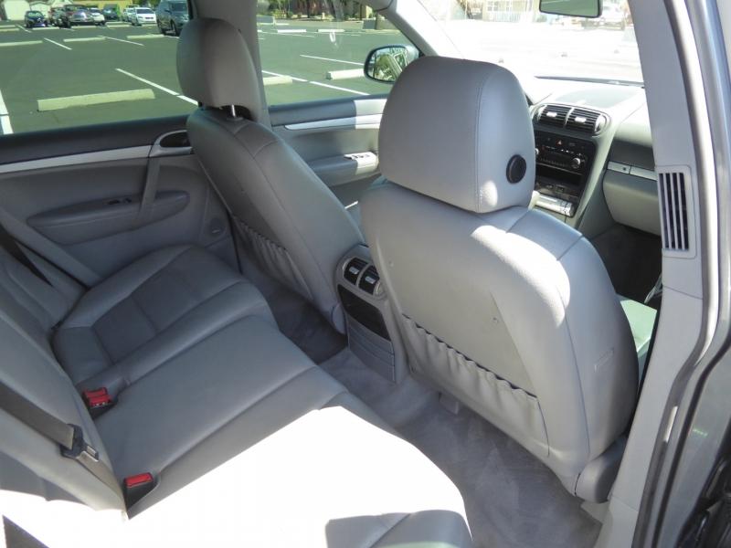 Porsche Cayenne S 2006 price $9,995