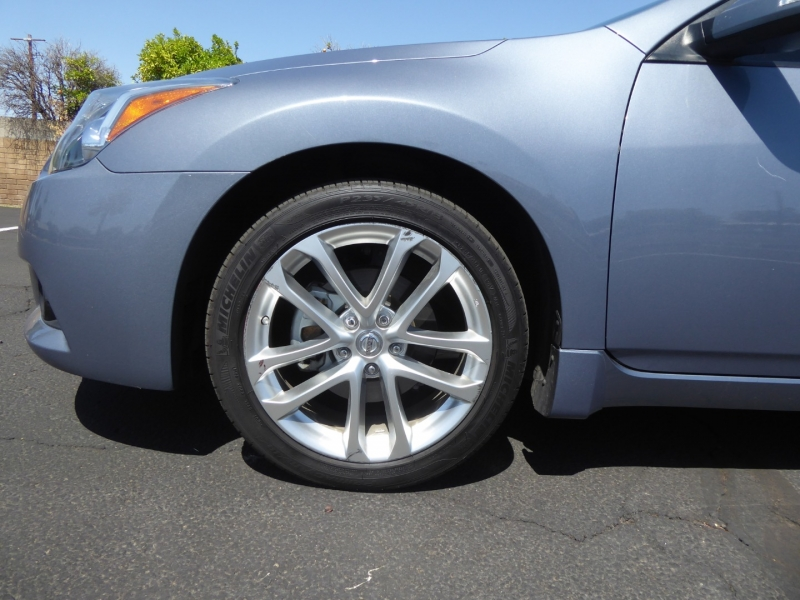Nissan Altima 2012 price $12,850