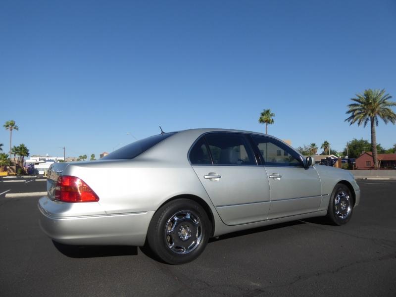 Lexus LS 430 2002 price $7,995