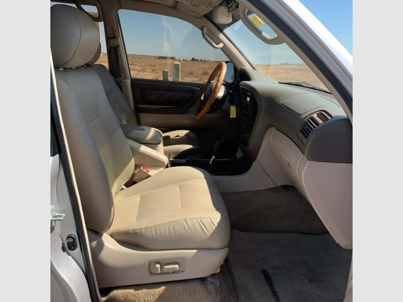 Toyota Land Cruiser 2001 price $10,450