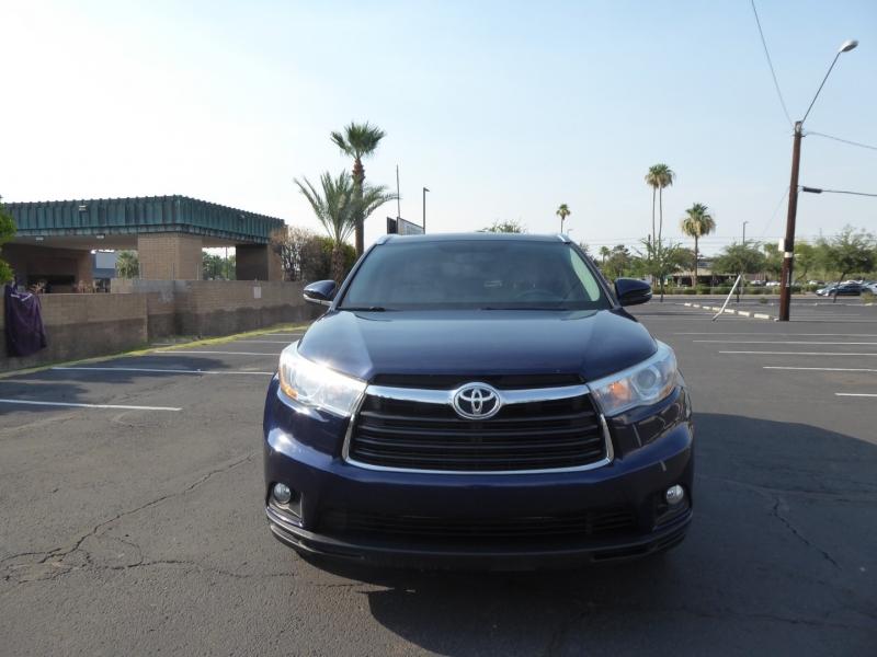 Toyota Highlander 2016 price $26,995