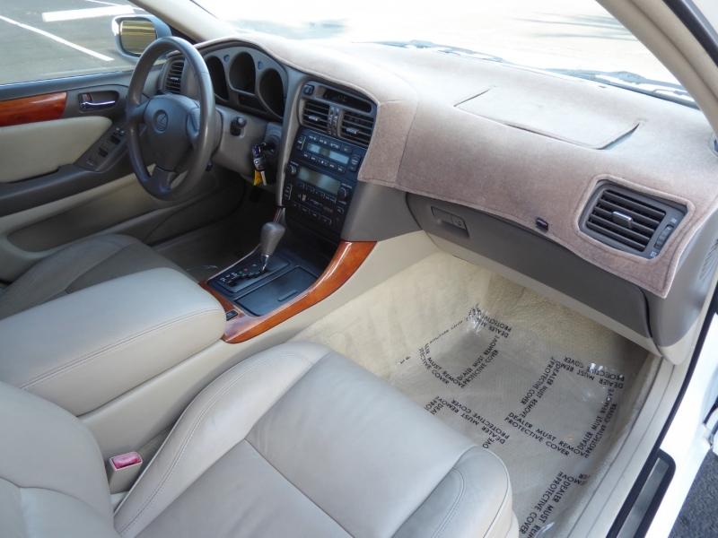 Lexus GS 300 2000 price $9,450