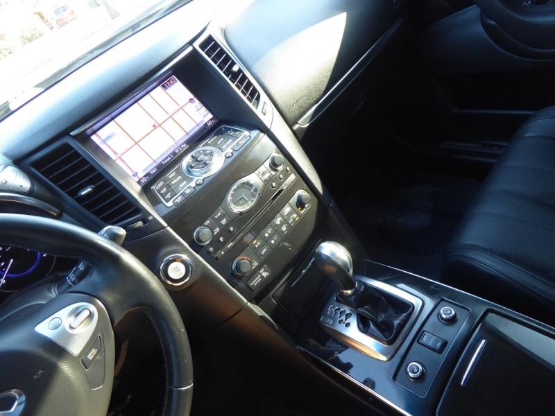 Infiniti QX70 2014 price $17,995