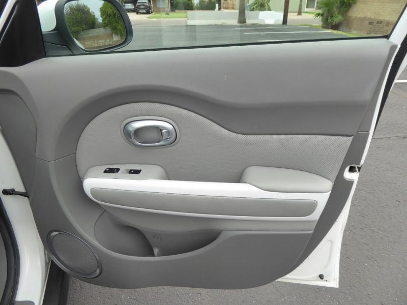 Kia Soul EV 2016 price $12,995