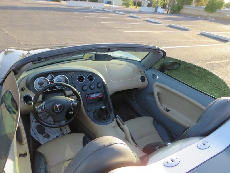 Pontiac Solstice 2006 price $6,995