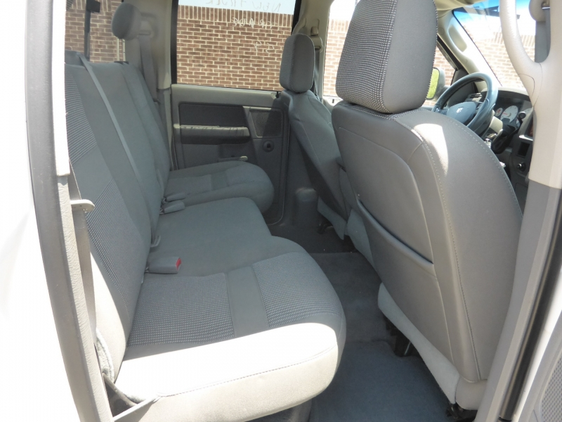 Dodge Ram 2500 2006 price $13,995