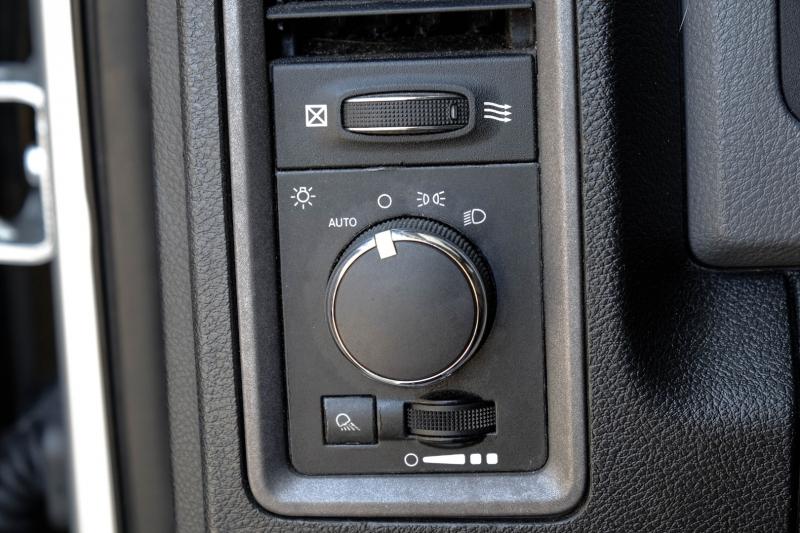Dodge Ram 3500 2013 price $33,995