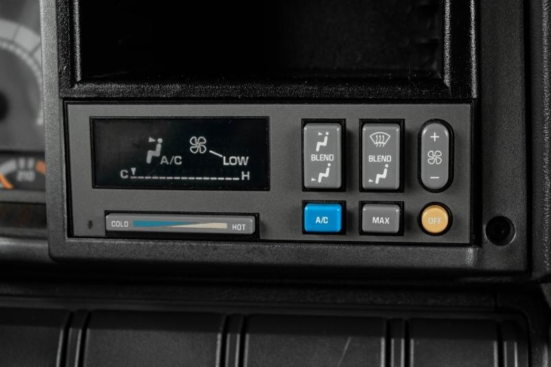 GMC C6500 2000 price $24,995