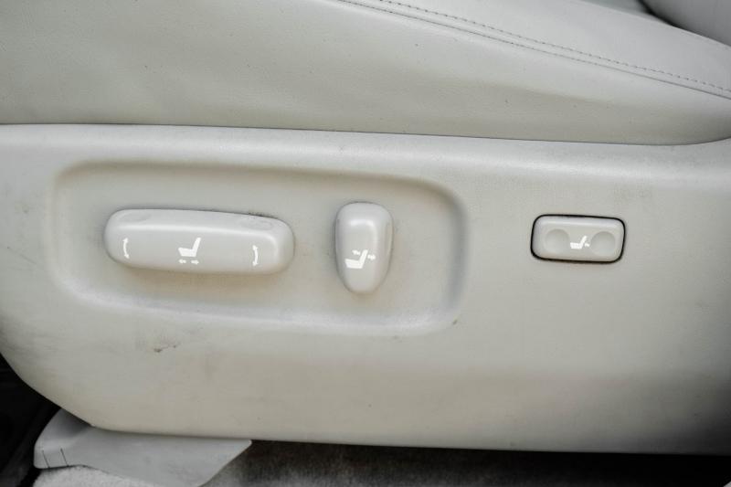 Lexus RX 330 2004 price $7,995