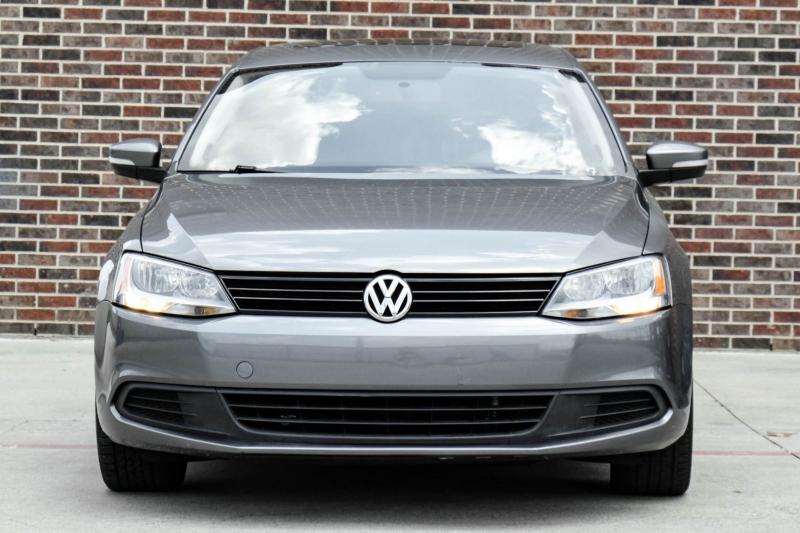 Volkswagen Jetta 2012 price $10,995
