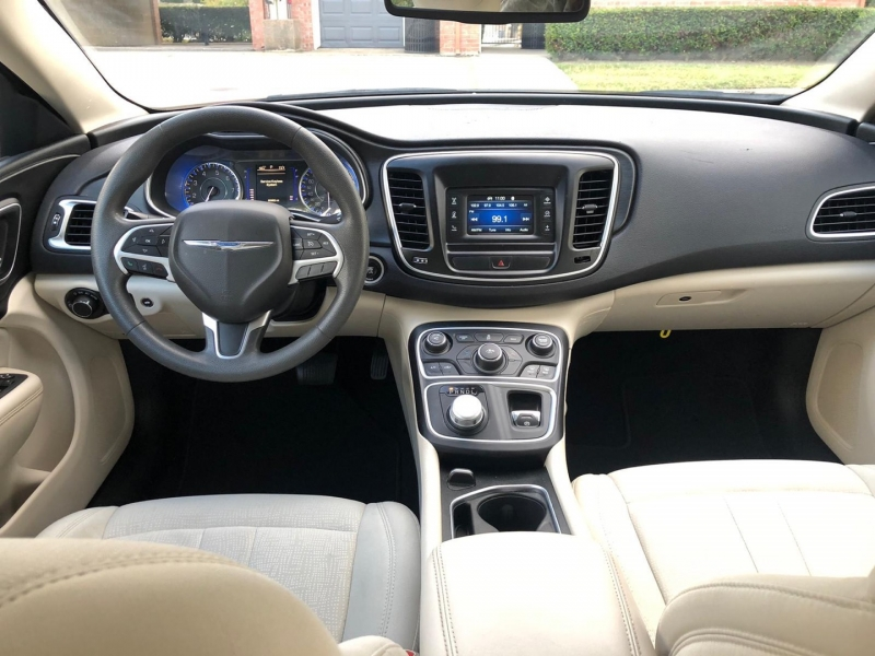 Chrysler 200 2015 price $8,200