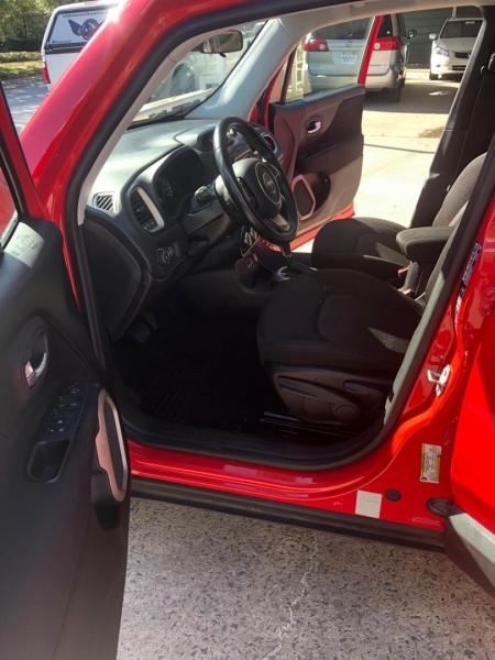 Jeep Renegade 2017 price $12,500