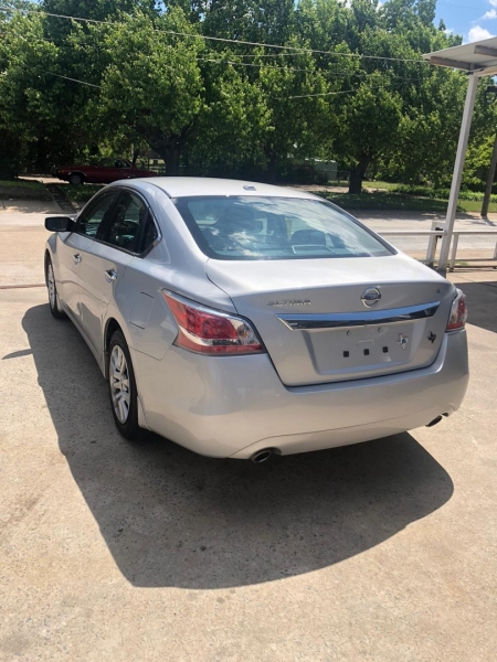 Nissan Altima 2015 price $11,000