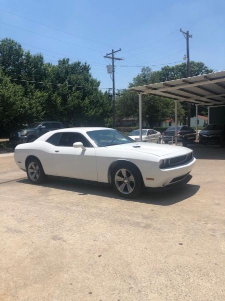 Dodge Challenger 2014 price $12,000